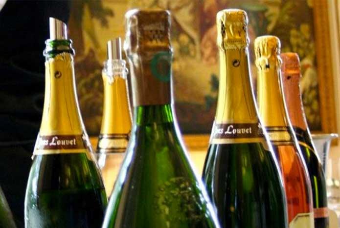 Sommelier bouteilles de champagne